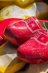 painting wooden shoes